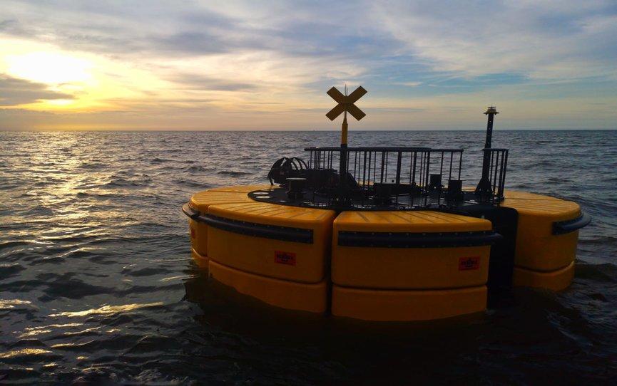 Resinex-catamaran-buoys